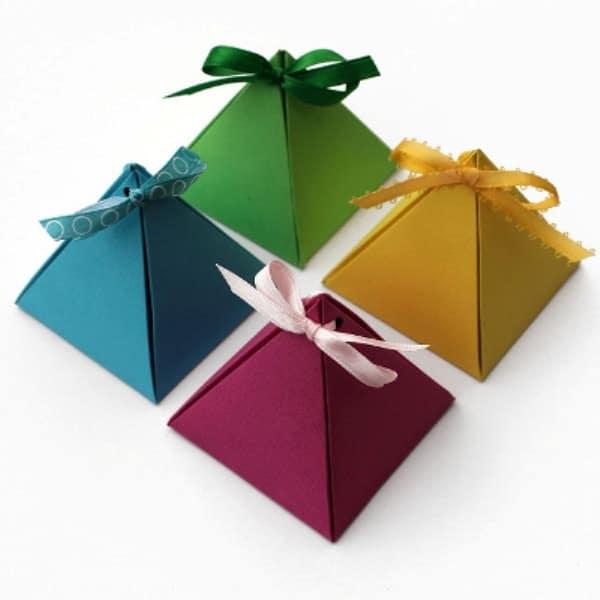 Коробка пирамидка
