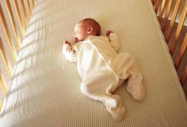 Свободная детская кроватка