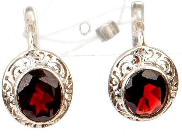 Серебряные серьги с рубином