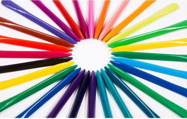 Пластиковые цветные карандаши