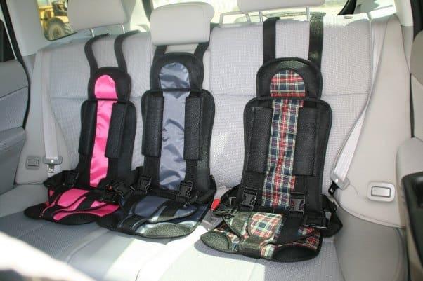 Три автоксрела на заднем сиденье